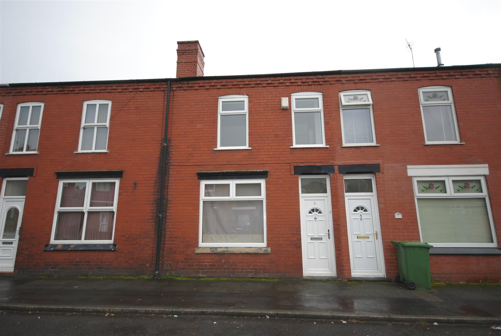2 Bedrooms Terraced House for sale in Manning Avenue, Springfield, Wigan